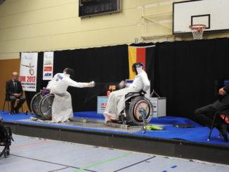 DM Rollstuhlfechten 2017: Degen-Finale: Bartmann (links) gegen Cheema (rechts)